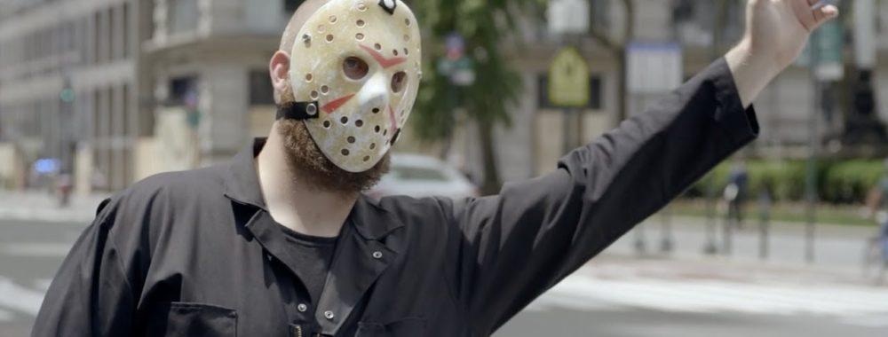 Papa, il est encore loin le STIMULUS? Tais-toi et mets ton masque!